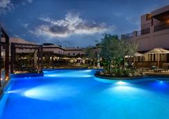 Atana Musandam Resort - 海塞卜 - 游泳池