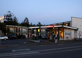 Fairwinds Motel