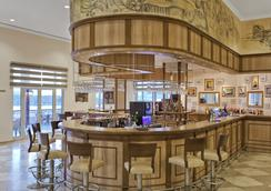 WOW博德魯姆度假酒店 - 博德魯姆 - 酒吧