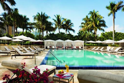 邁阿密力麗思卡爾頓椰林酒店 - 邁阿密 - 游泳池