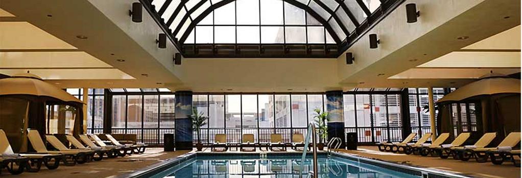 The Claridge A Radisson Hotel - 大西洋城 - 游泳池