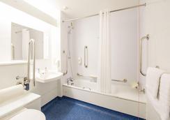 Travelodge Sheffield Richmond - 謝菲爾德 - 浴室