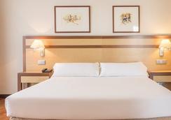 伊魯尼阿爾卡拉北部酒店 - 馬德里 - 臥室