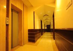 明珠酒店&套房 - 阿姆利則 - 大廳