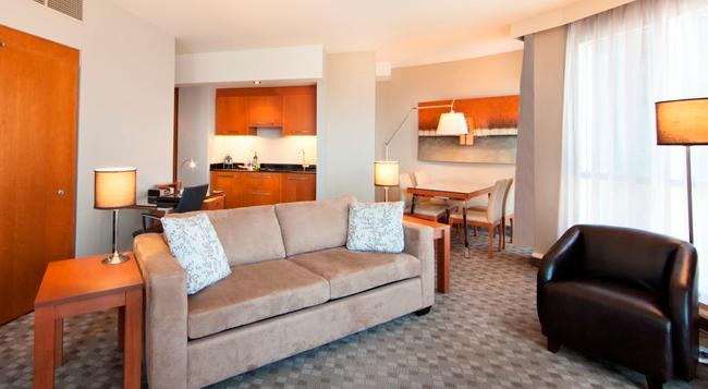 Hotel Le Crystal Montreal - Montreal - 臥室