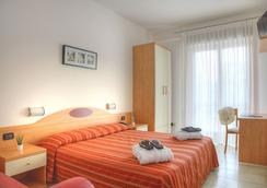 Hotel Menfi - Jesolo - 臥室