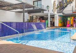 海王星酒店 - 卡里拉 - 游泳池
