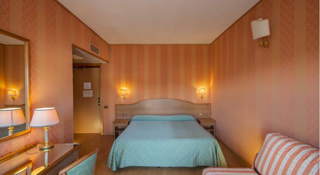 Park Hotel Dei Massimi - 羅馬 - 臥室