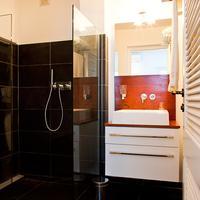 Scuba Lodge & Ocean Suites Bathroom apartment