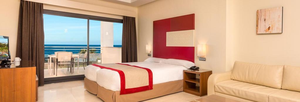 Hotel Fuerte Estepona - 艾斯塔波 - 臥室