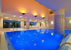 富而特酒店 - Conil de la Frontera - 游泳池