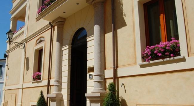 La Locanda del Conte Mameli - 奧爾比亞 - 建築