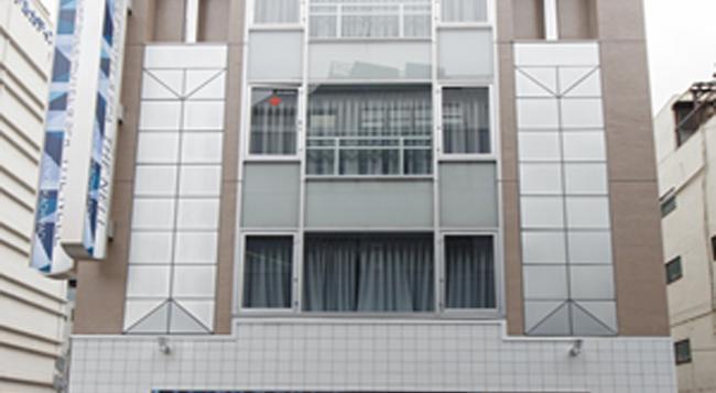 The Nell Ueno Okachimachi - Caters To Men - 東京 - 建築