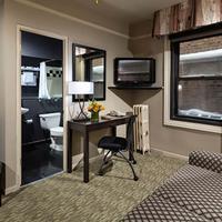 City Suites Hotel Sitting Room