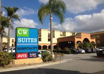 Country Inn & Suites By Carlson, John Wayne Air