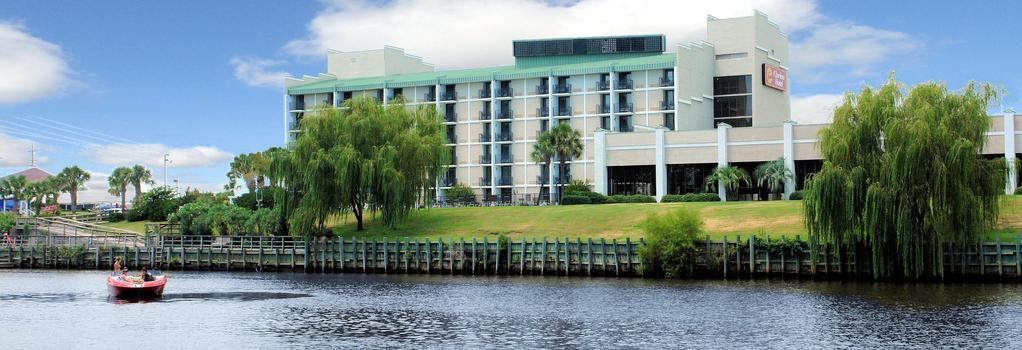 Clarion Hotel - 默特爾比奇 - 建築