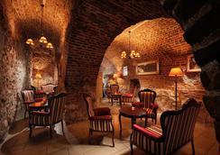 桑蒂酒店 - Krakow - 酒吧