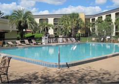 愛若阿環球品質旅館- 奧蘭多 - 奧蘭多 - 游泳池
