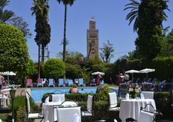 Hôtel Chems - 馬拉喀什 - 游泳池