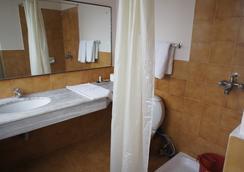 馬可波羅商務酒店 - 加德滿都 - 浴室