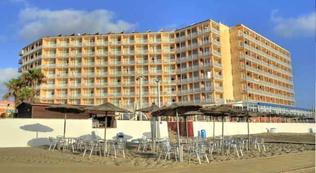 Hotel Entremares - La Manga del Mar Menor - 建築