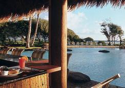2417 @ Oceanfront Kauai Beach Resort, Lihue - 利胡埃 - 游泳池