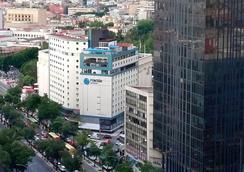 方坦雷福瑪酒店 - 墨西哥城 - 建築