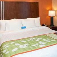 Fairfield Inn and Suites by Marriott San Francisco Airport Millbrae Guestroom