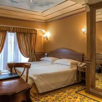 River Palace Hotel Guestroom