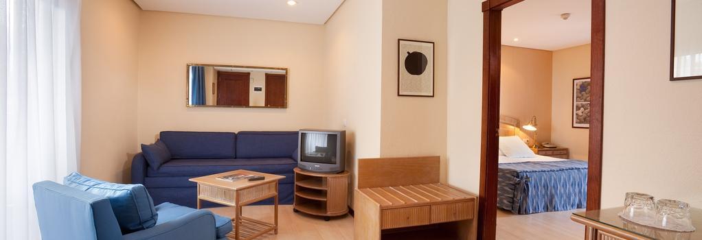 Hotel Puerto de la Cruz - 拉克魯斯 - 臥室