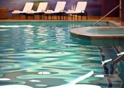 達拉斯理查森萬麗酒店 - 理查森 - 游泳池