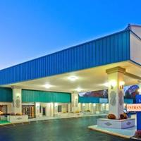 Days Inn & Suites Lancaster Hotel Front