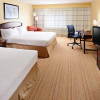 Courtyard by Marriott Dallas Richardson at Campbell Guest room