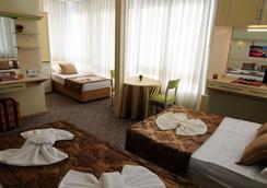 希爾德加德酒店 - 阿拉尼亞 - 臥室