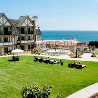 Carlsbad Inn Beach Resort Property Grounds