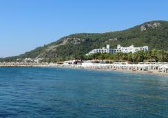 瑞克蘇斯桑格特酒店 - 安塔利亞 - 海灘