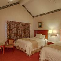 River Edge Motor Lodge Guestroom