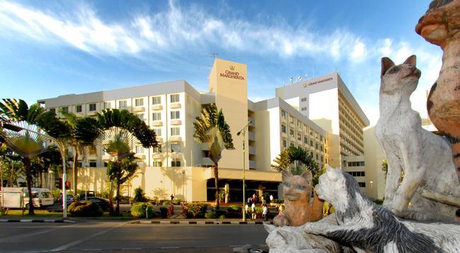 Grand Margherita Hotel - 古晉 - 建築