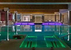 特美米派扎Spa酒店 - 阿巴諾泰爾梅 - 游泳池