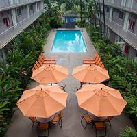 Pacific Marina Inn Outdoor Pool