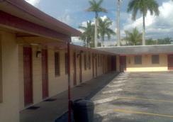 Palm City Motel - 邁爾斯堡 - 建築