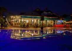 瑞彬海灘酒店 - 費特希耶 - 餐廳