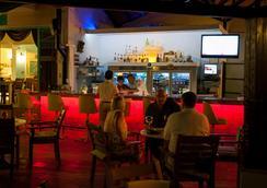 瑞彬海灘酒店 - 費特希耶 - 酒吧
