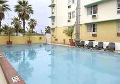 戴斯套房酒店- 邁阿密海灘 - 邁阿密海灘 - 游泳池