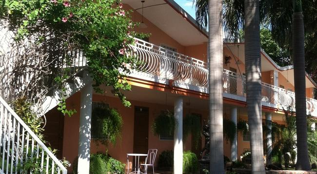 Palm Inn hotel - 海地首都太子港 - 建築