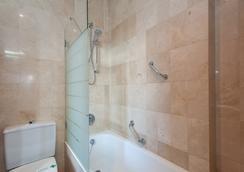 塞維利亞德比酒店 - 塞維利亞 - 浴室