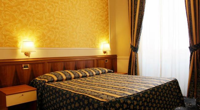 Hotel Milazzo - 羅馬 - 臥室