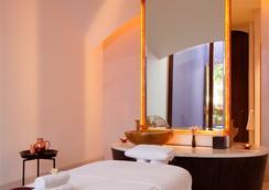 玫瑰色酒店 - 新德里 - Spa