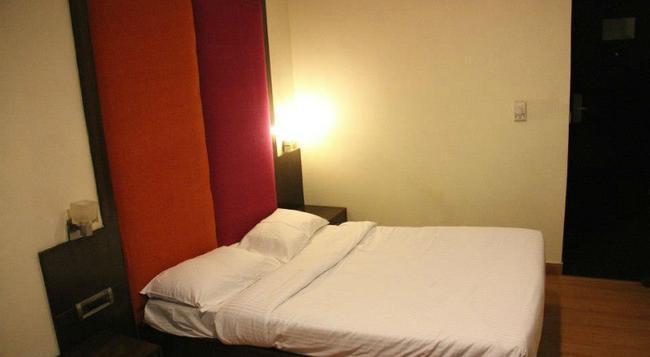 Stops Hostel Delhi - 新德里 - 臥室