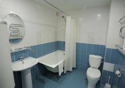 克拉斯諾亞爾斯克波利亞特酒店 - 克拉斯諾亞爾斯克 - 浴室